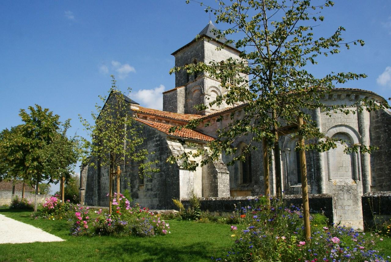 Eglise de Port d'Envaux ( Saint Saturnin)