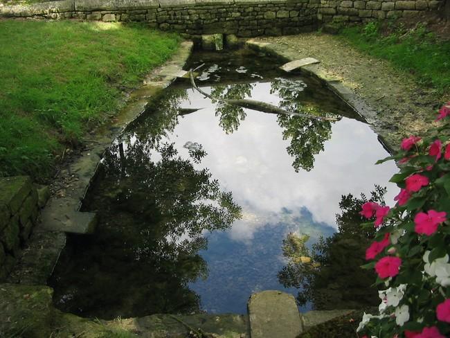 Fontaine du Pré Valade.jpg