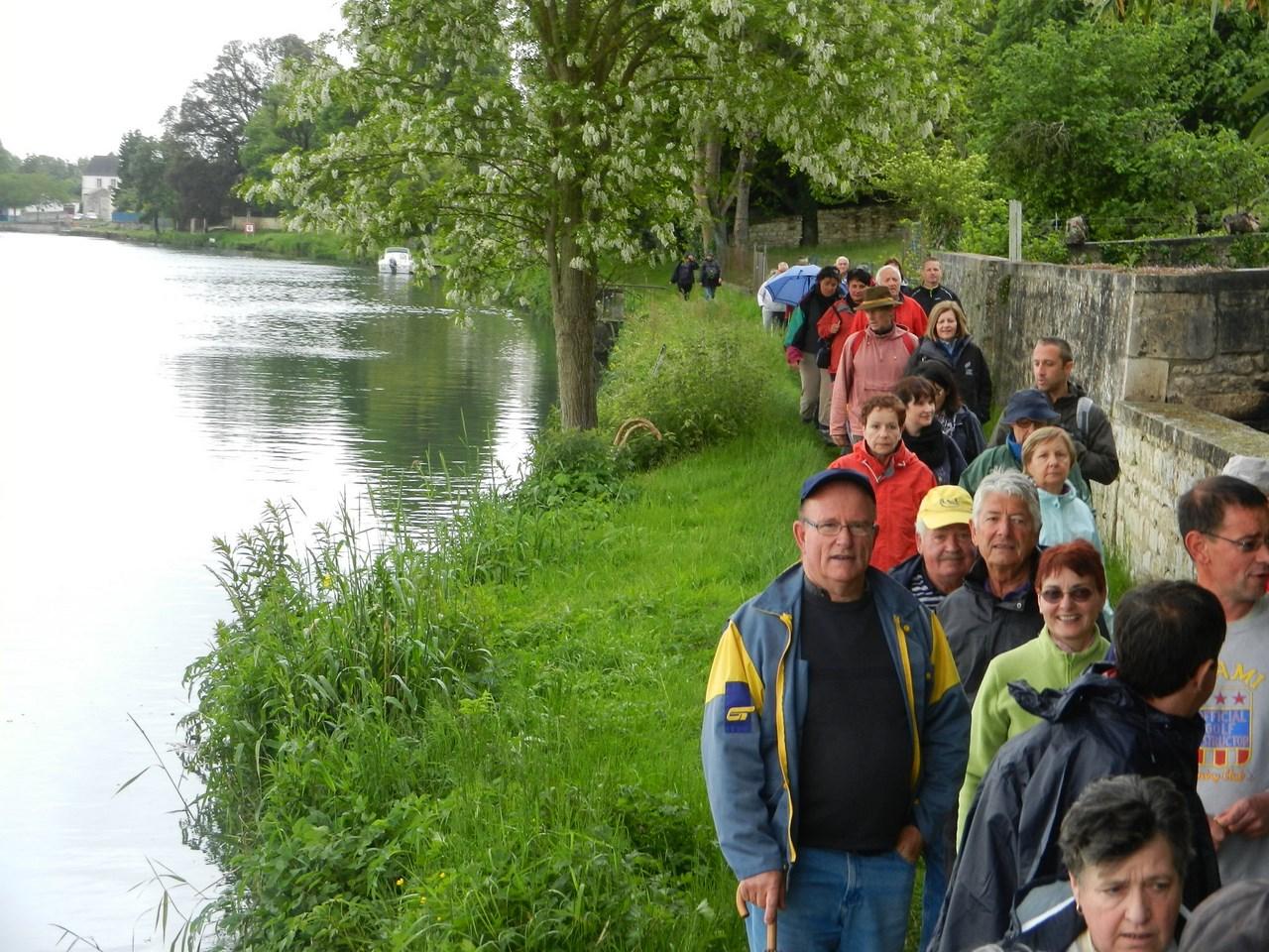 On longe le bord de Charente